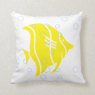 Gelbe Fische auf weißem KISSEN