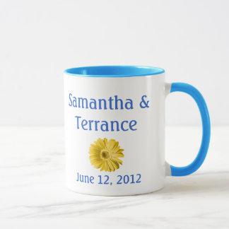 Gelbe Gänseblümchen-Blume kundengerecht Tasse