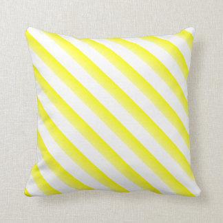 Gelbe Kreide geangelt und Zazzovative Kissen