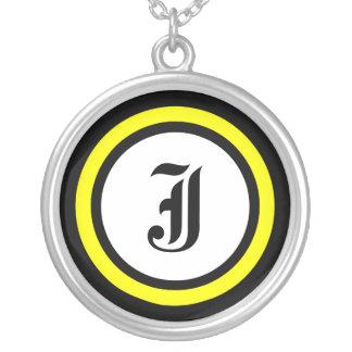 Gelbe Kreis-Initiale Halskette Mit Rundem Anhänger