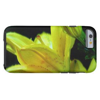 Gelbe Lilie mit Wind-Effekt Tough iPhone 6 Hülle