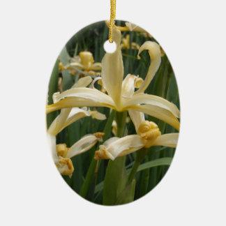 Gelbe Lilien Ovales Keramik Ornament