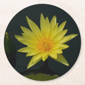 Gelbe Lotos-Wasserlilie Runder Pappuntersetzer