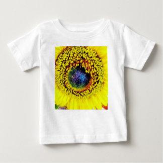 Gelbe Nahaufnahme Baby T-shirt