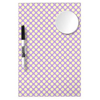 Gelbe Polka-Punkte mit lila Hintergrund STaylor Trockenlöschtafel Mit Spiegel
