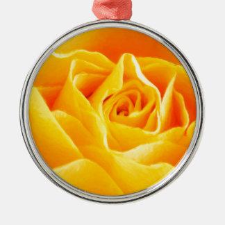 Gelbe Rose gemalt Rundes Silberfarbenes Ornament