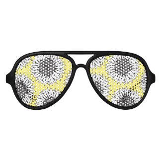 Gelbe Sonnenblume im Schwarzweiss-Handzeichnen Sonnenbrille