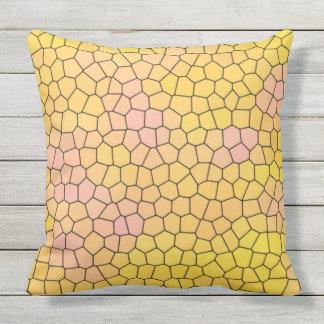 Gelber Buntglas-Mosaik-Entwurf Kissen Für Draußen