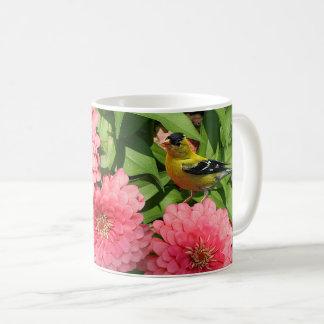 Gelber Fink und Blumen - Kaffeetasse