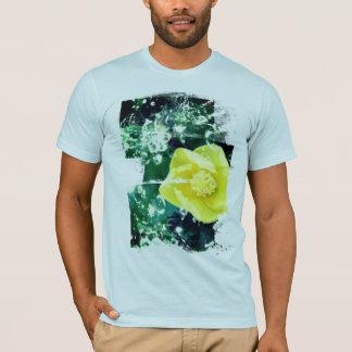 Gelber Hibiskus mit Wasser-Effekten T-Shirt