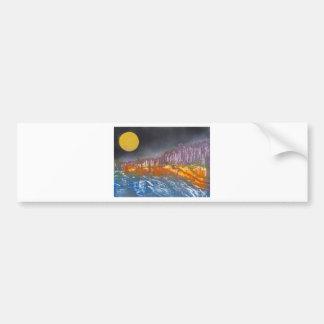 Gelber Mond über metamorpher Landschaft Autoaufkleber