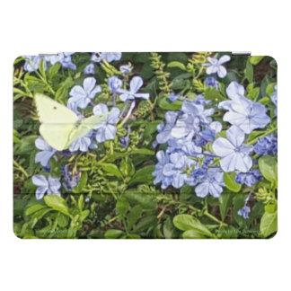 Gelber Schmetterlings-Lavendel-blaue Blumen in iPad Pro Cover
