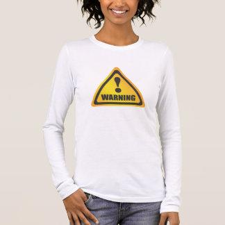 Gelber T - Shirt des warnenden Aufklebers