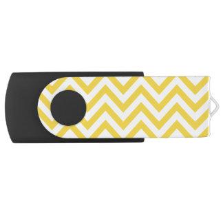 Gelber und weißer Zickzack Stripes Zickzack Muster USB Stick
