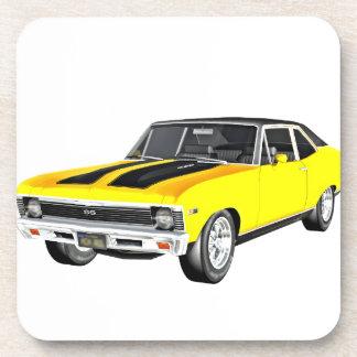 Gelbes Auto des Muskel-1968 Untersetzer