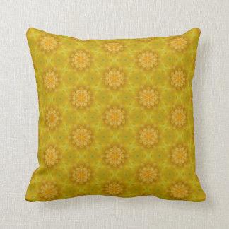 Gelbes Blumen-Muster-Kissen Kissen