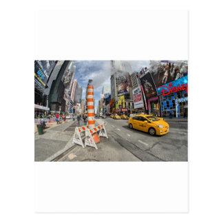 Gelbes Fahrerhaus in NYC Postkarte
