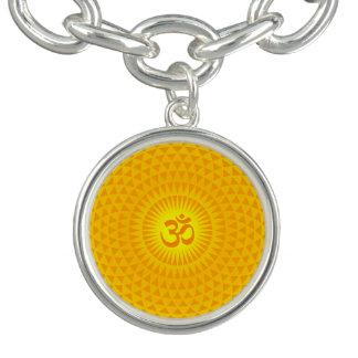 Gelbes goldenes Sun-Lotos-Blumen-Meditationsrad OM Armbänder