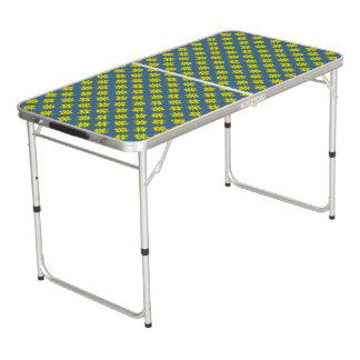 Gelbes Klee-Band Beer Pong Tisch