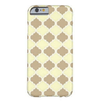 Gelbes Maroccan Gitter Browns - Quatrefoil Klee Barely There iPhone 6 Hülle