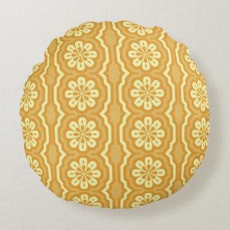 gelbes Muster des 70ers rund Rundes Kissen