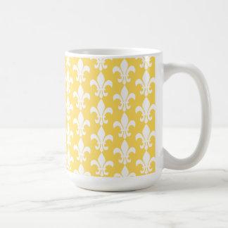 Gelbes und weißes Lilien-Muster Tasse