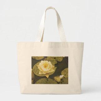 Gelbes Wasser-Lilien-Zeichnen Einkaufstaschen