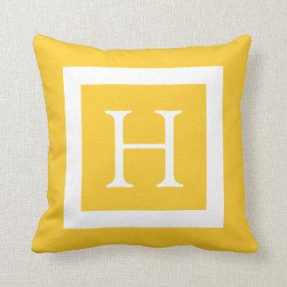 Gelbes weißes kundenspezifisches Monogramm Zierkissen