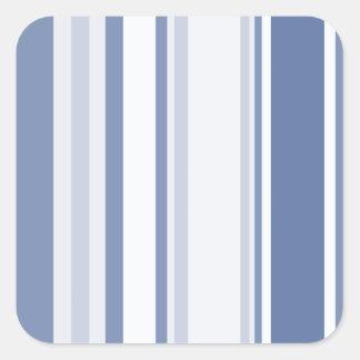 Gelegentliche Streifen-Muster-Schatten des Blaus Quadratischer Aufkleber