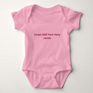 Geliebtes Kind haben Babykleidung vieler Namen Baby Strampler