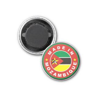 gemacht im Mosambik-Landesflaggeproduktaufkleber Runder Magnet 3,2 Cm