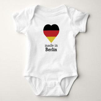 Gemacht in der Berlin-Herzflagge Deutschland Baby Strampler