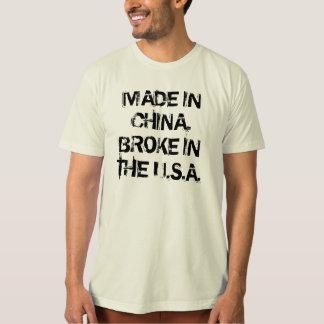 Gemacht in der China, lief das USA ein T-Shirt