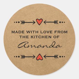 Gemacht mit Liebe-Herz-Pfeil-Küchen-Papier Runder Aufkleber