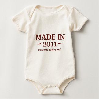 Gemachte im Jahre 2011 Geburtstags-Entwürfe Baby Strampler