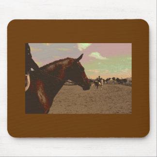 Gemaltes Pferd dunkles Brown Mauspad