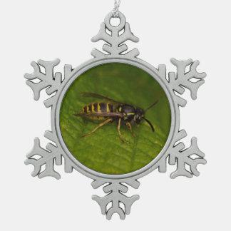 Gemeine Wespe Schneeflocken Zinn-Ornament