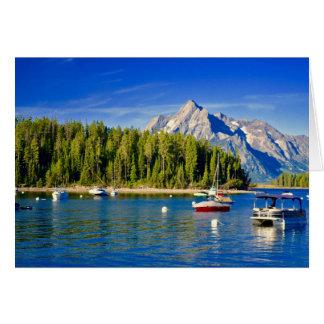 Generische Grußkarte mit See und Booten