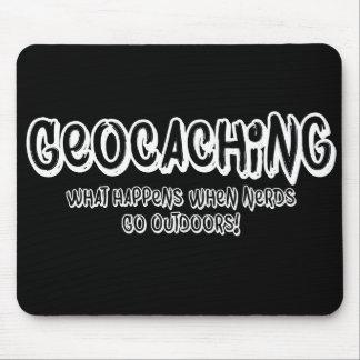 Geocaching, was geschieht, wenn Nerds draußen Mousepad