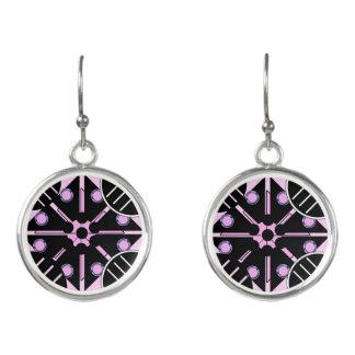 Geometrisch in den rosa Ohrringen Ohrringe