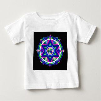 Geometrischer Buntglas-Davidsstern Baby T-shirt