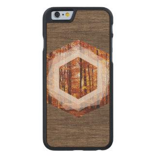 Geometrischer Wald Carved® iPhone 6 Hülle Ahorn