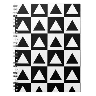 Geometrisches Formmuster des Schwarzweiss-Dreiecks Spiral Notizblock
