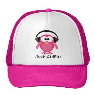 Gerade Chillin rosa Eule mit Kopfhörern Retrokultmütze