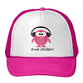 Gerade Chillin rosa Eule mit Kopfhörern Truckermütze