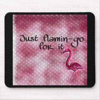 Gerade Flamingo für ihn inspirierend Mousepad