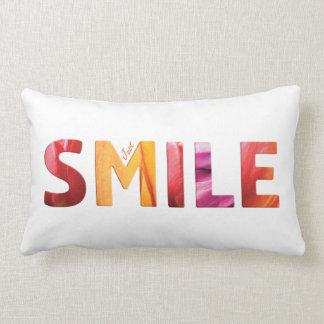 Gerade Lächeln-glückliches Zitat 04 Lendenkissen