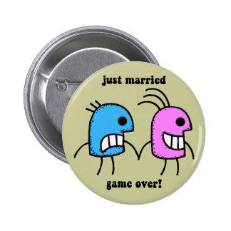 gerade verheiratet anstecknadelbutton
