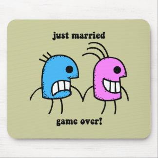 gerade verheiratet mauspads