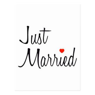 Gerade verheiratet (Skript mit rotem Herzen) Postkarte